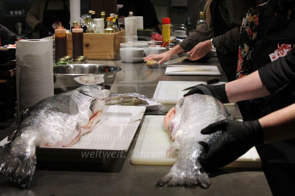 Erleben Sie ein kulinarisches Highlight bei Ihrem Betriebsausflug Grillworkshop mit b-ceed: events
