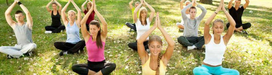 Yoga dient der Entspannung - perfekt für den Büroalltag