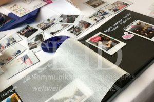 Comic mit Polaroid Kamera: das kreative Event von b-ceed