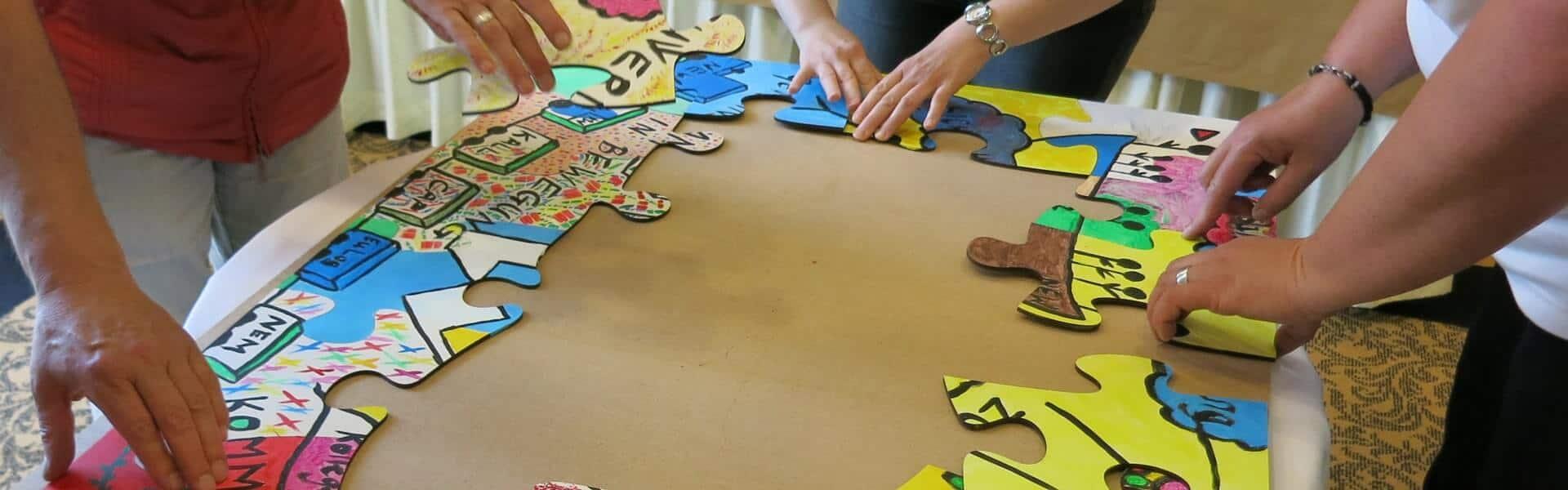 Kreative Teambuilding Idee mit dem Creative Team Puzzle von b-ceed