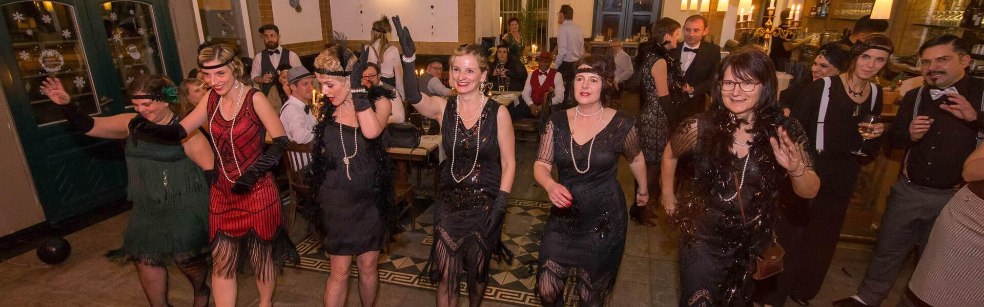 Gatsby Weihnachtsfeier mit Motto b-ceed events