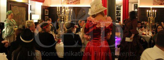 Weihnachtsfeier Ideen von der Eventagentur b-ceed: golden gatsby 20er jahre Party
