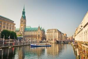 Sightseeing auf der Alster in Hamburg und die Incentive Reise ist perfekt.