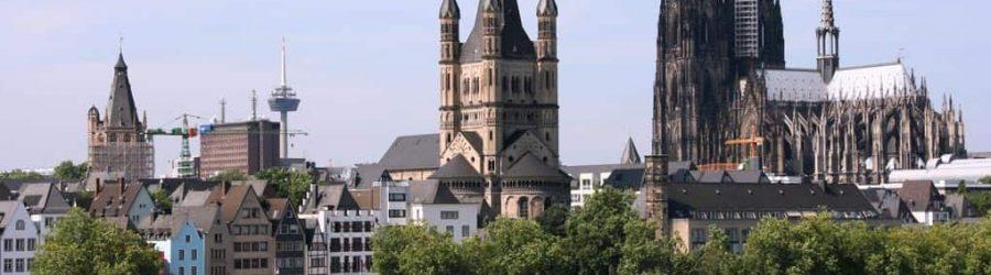 Bei einer Schiffsrundfahrt Köln kennenlernen
