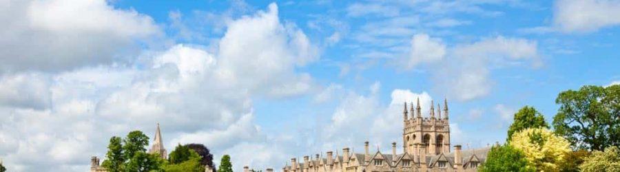 Sightseeing zu der Oxford Universität in London, England