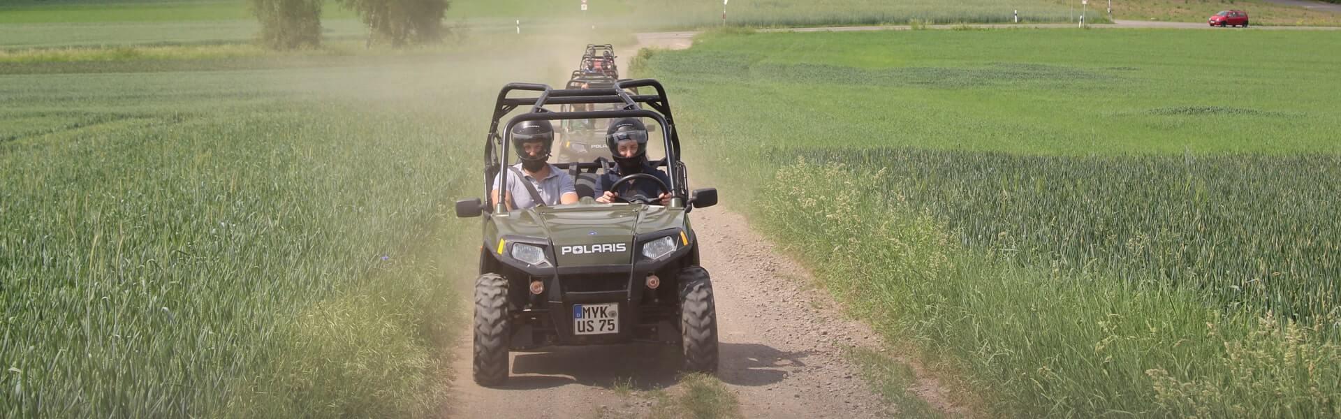 Offroad Abenteuer mit Polaris Fahrzeugen für zwei bis sechs Personen: Das Teamevent mit Adrenalin.
