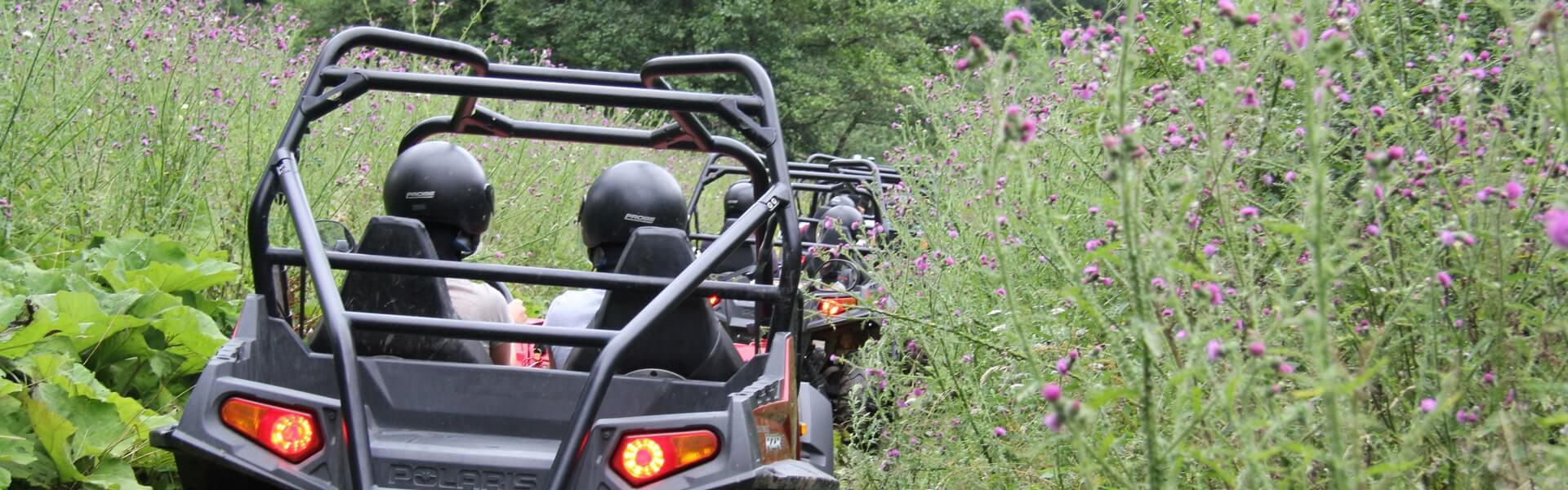 Polaris Fahrzeuge und Quads: PS starkes Teambuilding outdoor durch den Wald und auf den Berg