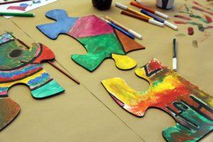 Das Teambuilding Event mit XXL Puzzle und Acryl-Farben