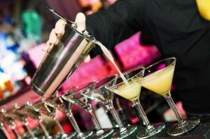 Virtueller Cocktailkurs und Cocktail Party im Büro