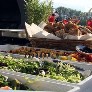 Live Cooking und Grillbuffet für ein Jubiläum im Sommer