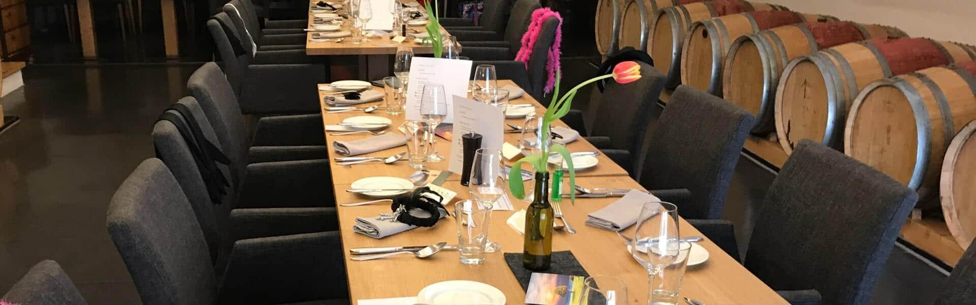 Krimireiches Rollenspiel mit Tod auf dem Lavendelfeld als Rahmenprogramm zum Dinner auf dem Betriebsausflug mit b-ceed