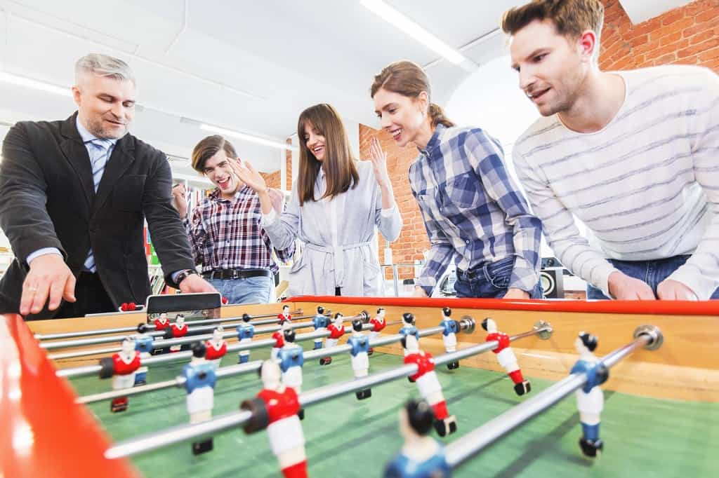 kickerturnier, teamevent und mehr: torschusswahnsinn zur wm 2018 mit b-ceed