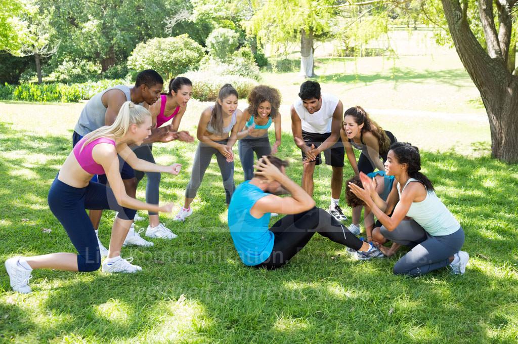 Aktives Outdoor Team Building Event mit Sportcoaching von b-ceed