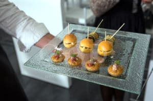 Bestes Catering und eine kulinarische Reise um die Welt bei Ihrem Firmenjubiläum mit b-ceed: events