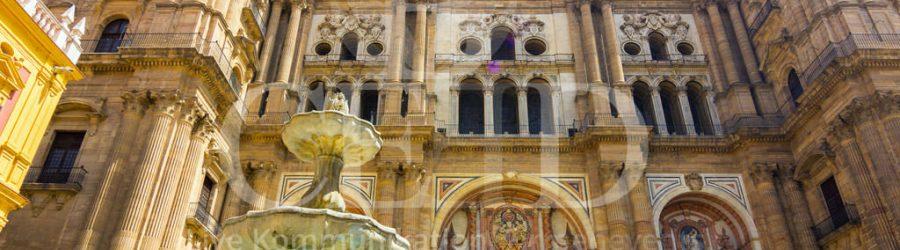 Der Domplatz mit dem Bischofspalast auf der Städtereise nach Málaga mit b-ceed: travel