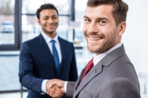 Mit 6 Tipps zur erfolgreichen Konfliktbewältigung am Arbeitsplatz und im Team mit b-ceed