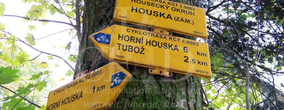Tagesausflug von Prag zum verlassenen Ort Houska in Tschechien mit b-ceed: travel
