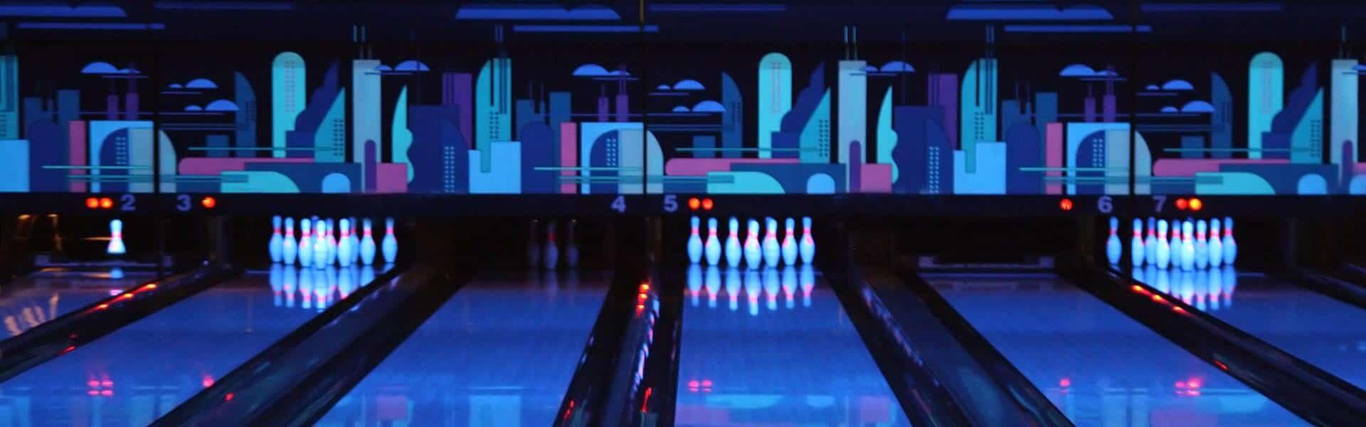 mit-schrillen.outfits-auf-die-bowlingbahn-teamevent