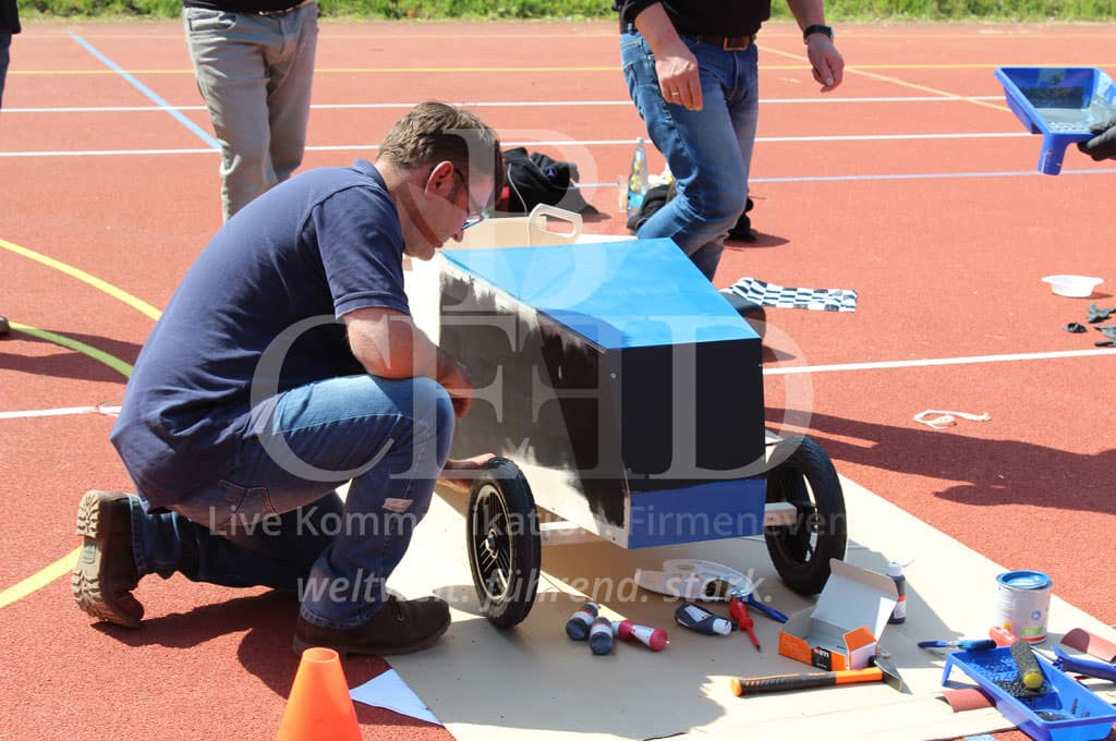 Aktives Teamevent mit b-ceed: Seifenkisten Grand Prix