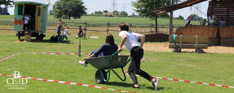 Für Kinder und Erwachsene das perfekte Team Event: drei Bauernhof Locations in NRW