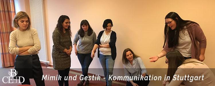 Teambuilding Stuttgart: Improvisationstheater mit der Aachener Eventagentur b-ceed