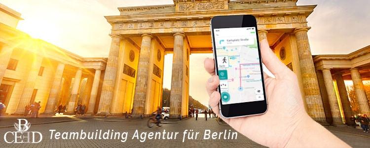 Teambuilding in Berlin buchen: Outdoor Schnitzeljagd und Stadt Rallye mit b-ceed: events