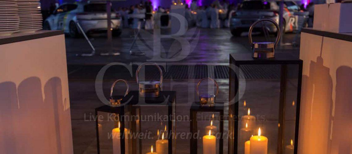 Stilvolle Dekoration für die Abendstunden auf dem Jubiläum der Firma mit b-ceed: events